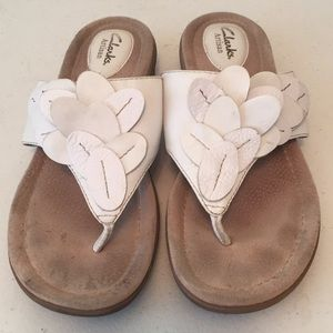 Clarks artisan leather thong sandals